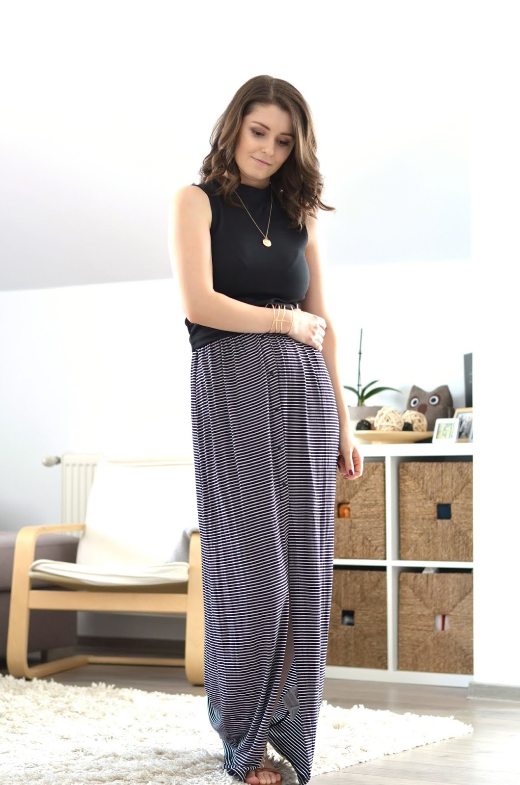 striped maxi skirt outfit for summer
