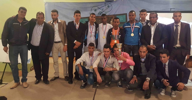 القسم الداخلي بثانوية سيدي عمرو بتازارين يحتفل بنهاية الأسدس الأول
