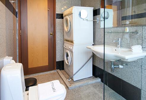 Fortville 1 Bathroom