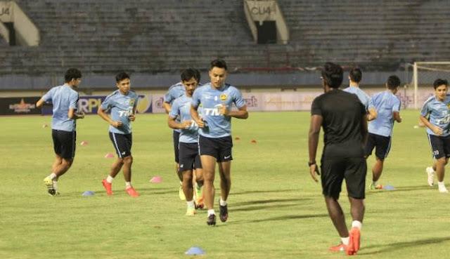 Timnas Malaysia Sudah Jajal Rumput Stadion Manahan