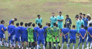 Radovic Mengaku Senang Pimpin Latihan Perdana Persib Bandung 2019