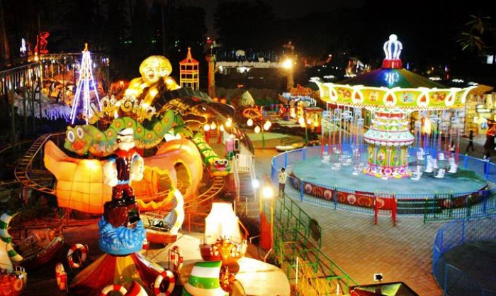 Tempat Wisata di Bandung Pusat  Bandung Carnival Land