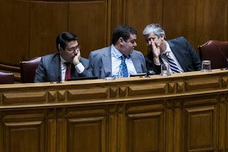 https://www.publico.pt/2017/05/09/economia/noticia/perdao-fiscal-garante-mais-138-milhoes-de-receia-tributaria-este-ano-1771432