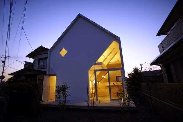 Chiba Japanese House Design With Monster Roof And 8