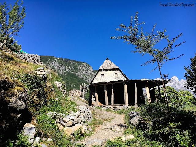 Village de Theth au nord de l'Albanie