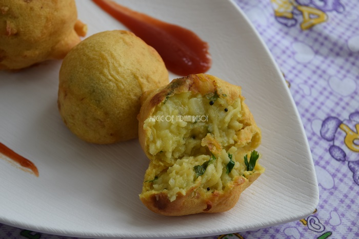 Maggi Bonda Recipe | Stuffed Potato Noodle Dumpling | Maggi Vada Pav- Magic of Indian Rasoi - Priya R