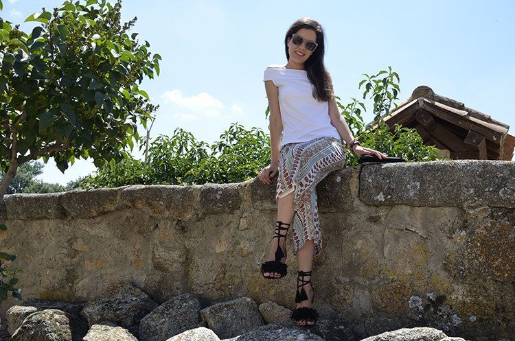 look-blogger-pantalón-cropped-estampado-off-shoulder-TRENDS-GALLERY