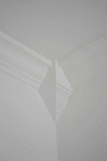 White Corner Moulding