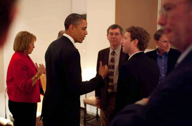 Obama & Zuckerberg - Photo by Pete Souza