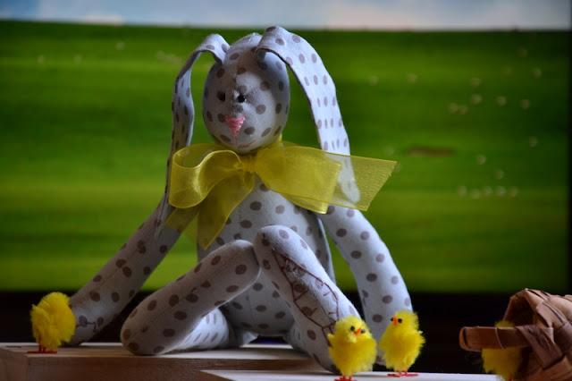 Бывают зайцы серые
