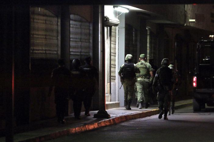 """Sacan de Topo Chico a 38 reos; """"La Yuli"""", líder de Los Zetas, entre ellos"""