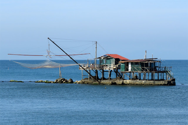 Slightly out of jurisdiction: fishing hut on stilts, Marina di Pisa