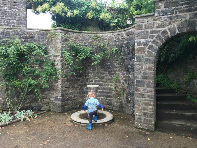 toddler-stepping-into-fountain-dyffryn-gardens