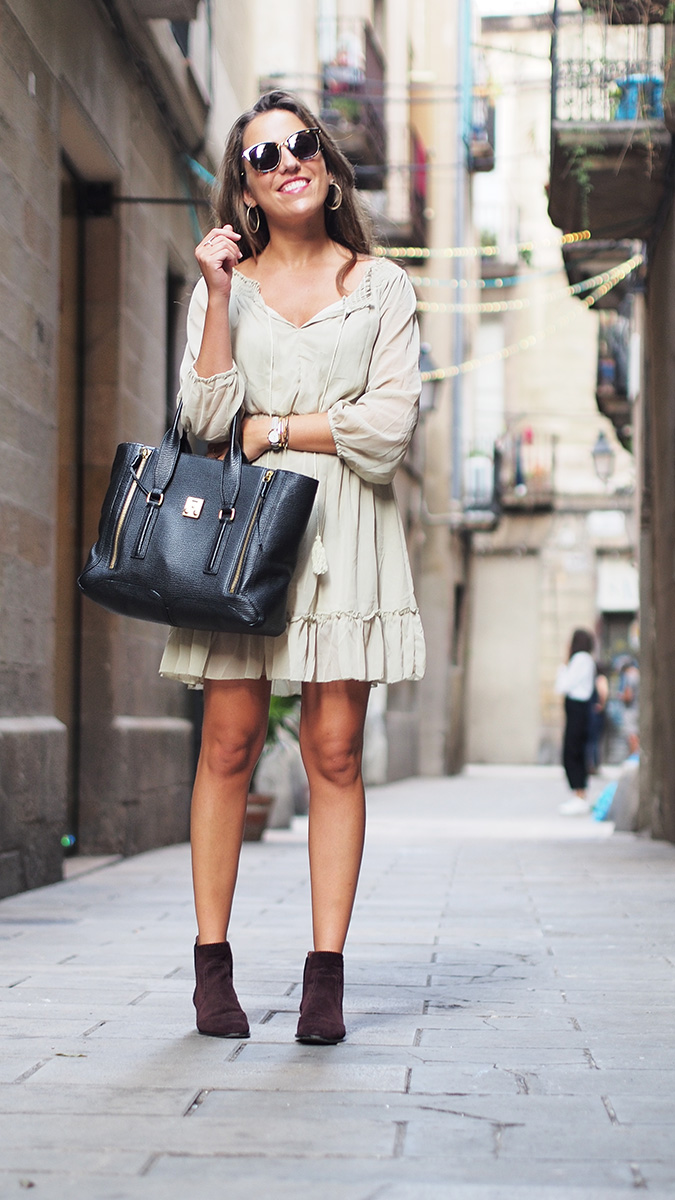 Streetstyle Barcelona - Green see trough dress, massimo dutti boots, gucci sunglasses, phillip lim bag