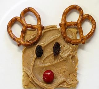 http://purefunsupply.blogspot.com/2016/12/reindeer-treats-for-classroom.html