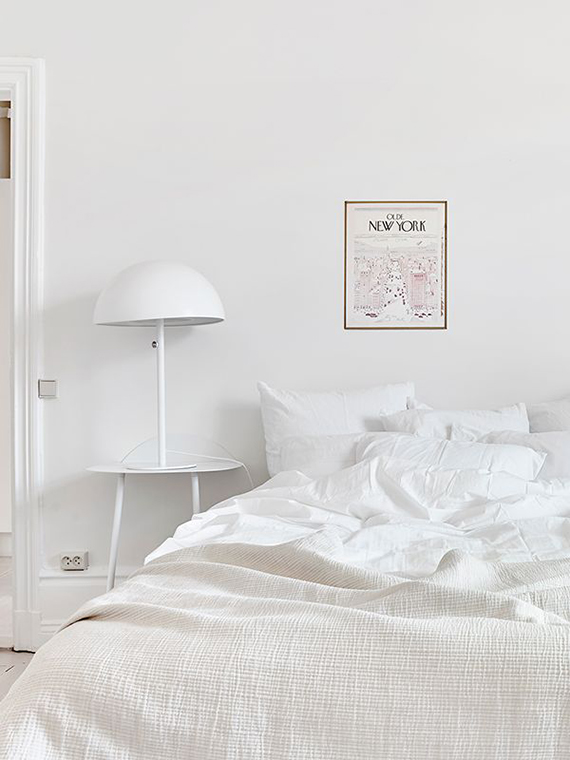 White bedroom to make you dream | Image via Fantastik Frank