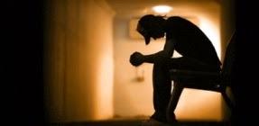 los adolescentes pueden cambiar sus comportamientos y tenemos que estar atentos a la posibilidad de un riesgo de suicidio