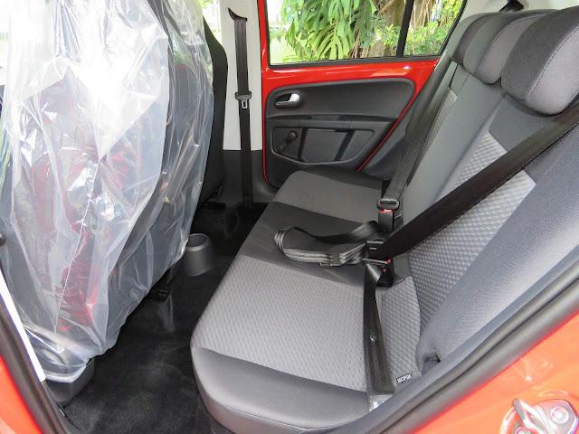 Novo Volkswagen Up! Move TSI 2018 - espaço traseiro