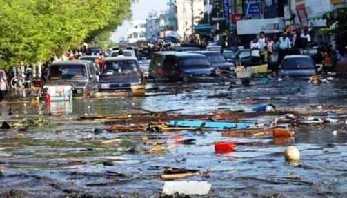 Fenomena Tsunami Aceh di Indonesia tahun 2004
