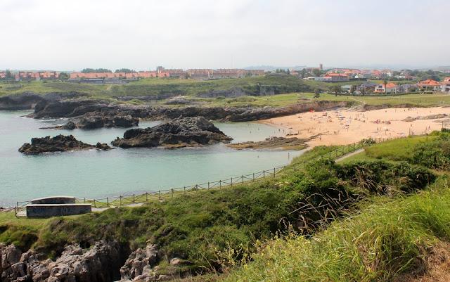 Playa de San Juan de la Canal en Soto de la Marina. Paisajes de la Costa Quebrada en Cantabria
