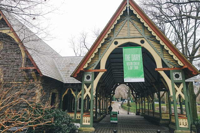 セントラル・パーク(Central Park)|The Dairy Visitor Center and Gift Shop