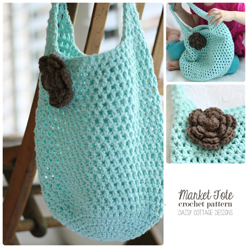 Crochet beach bag pattern, photo by: Daisy Cottage Designs | Happy in Red