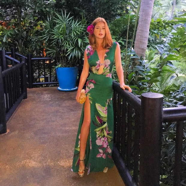 Marina Ruy Barbosa na Tailândia, vestido estampado verde