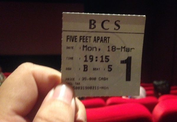 Five feet apart, sinopsis, film