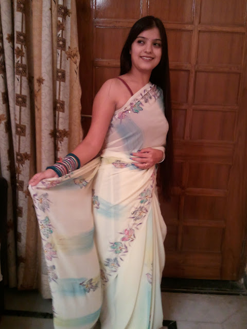 Delhi Girls Sexy Pic In Saree