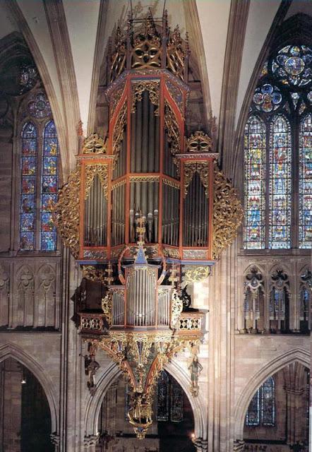 Um dos órgãos da catedral de Estrasburgo