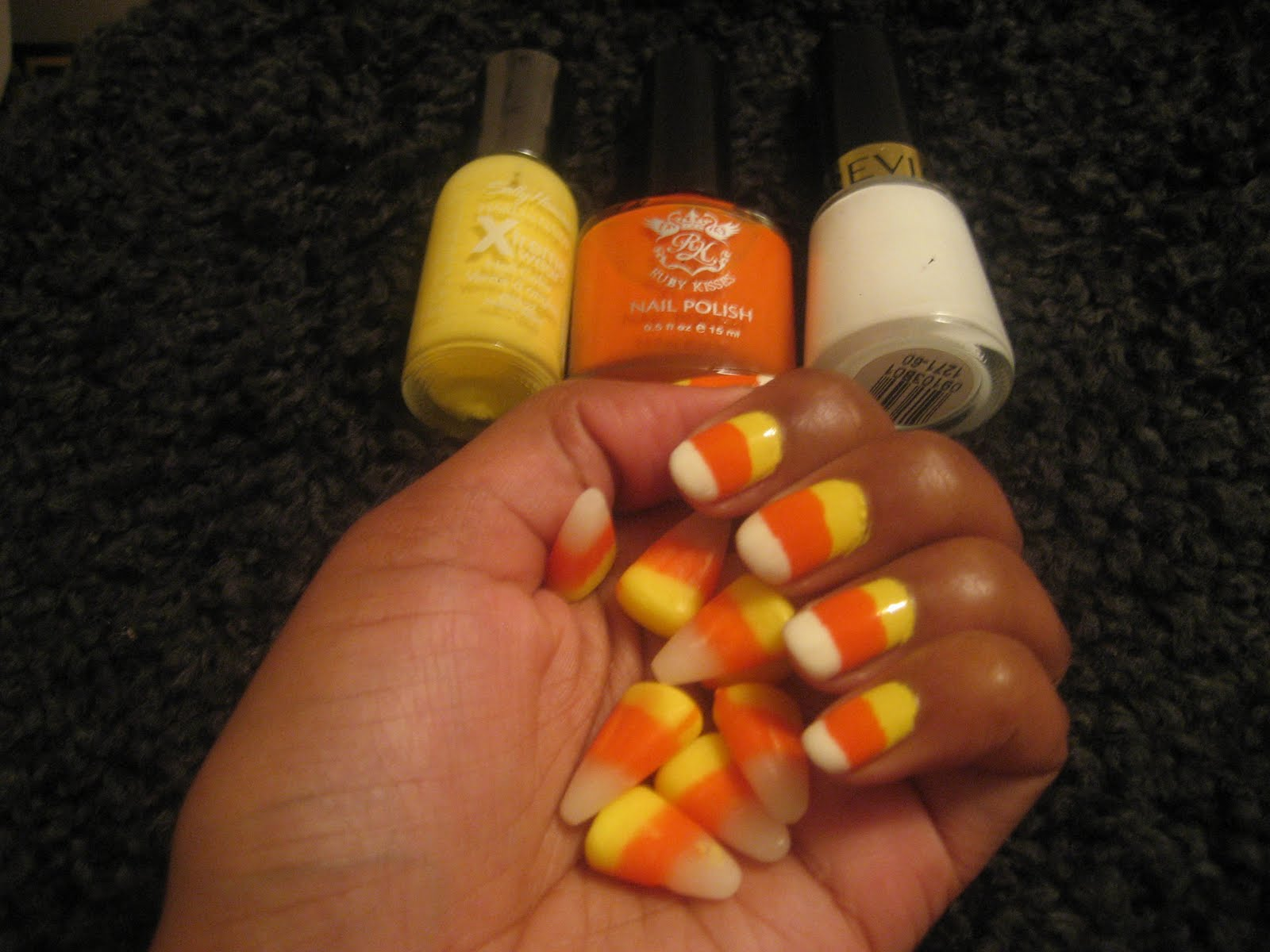 Life in Lesotho!: Halloween mani: Candy corn Nails!!