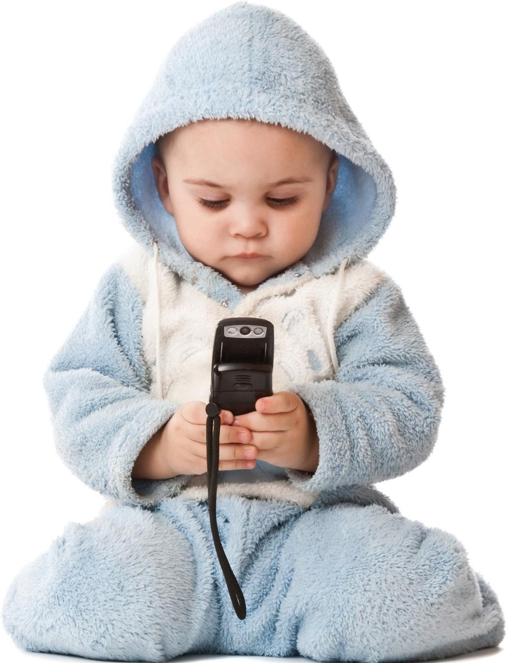Αφήνετε το μωρό να παίζει ανεξέλεγκτα με το κινητό σας. Σε λιγότερο από 5  λεπτά θα έχουν σβηστεί όλες οι εφαρμογές 47262f3f936