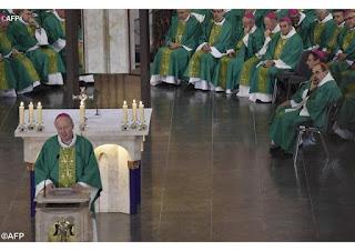 Mgr Crepy lors de la messe pour les victimes d'abus en novembre à Lourdes - AFP