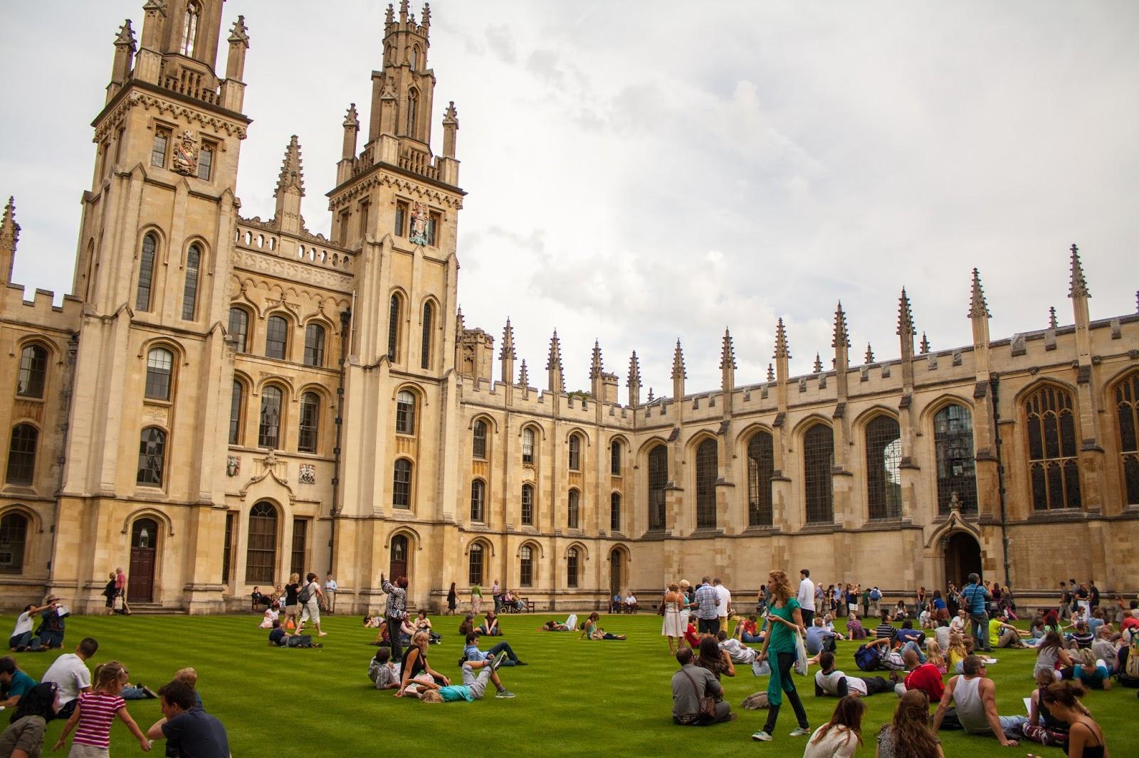 """Résultat de recherche d'images pour """"جامعة أوكسفورد"""""""