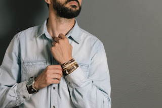 How to Wear Men's Designer Jewellery