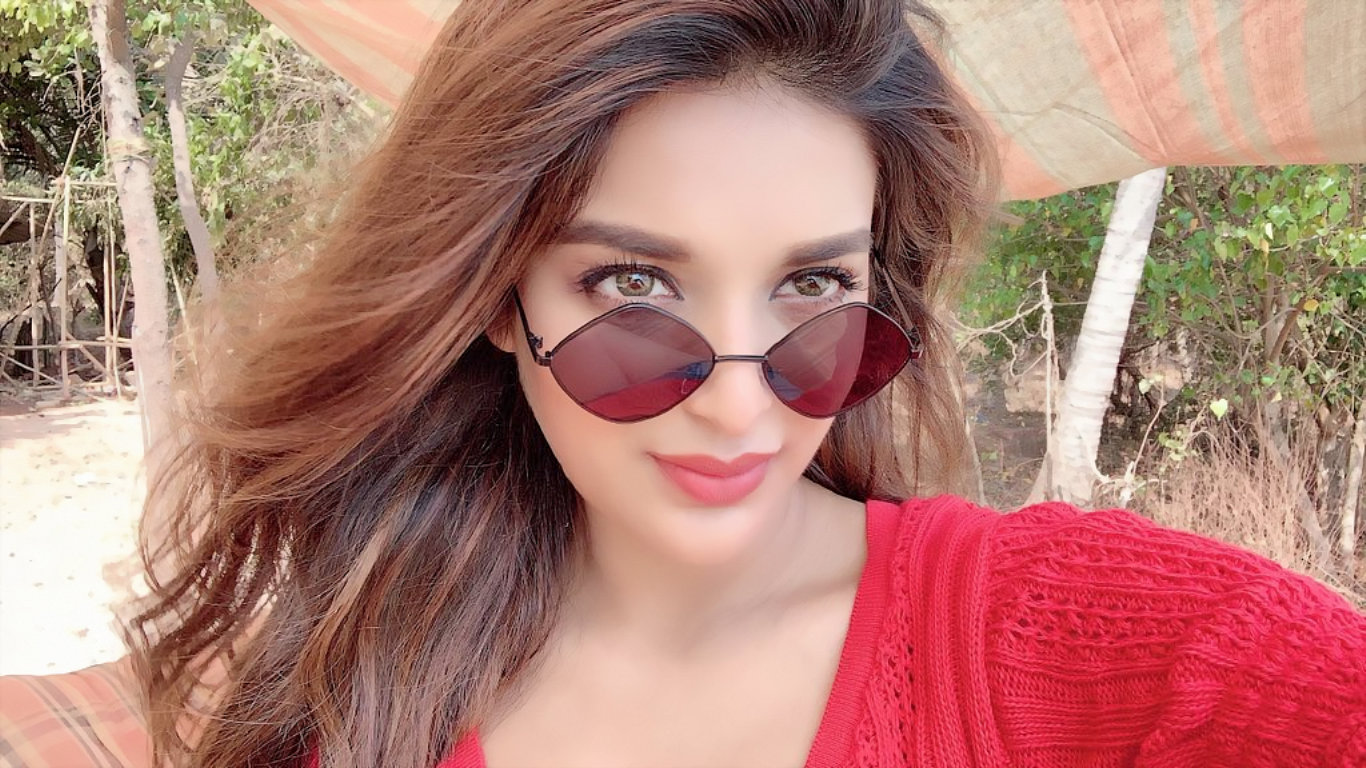 Niddhi Agerwal Latest Hot Wallpaper