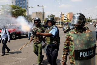 Kenya: Police fires teargas at opposition protesters in capital