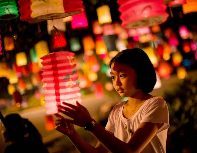 Hang Ma Street Bustle, Sparkling Lights To Welcome The Mid-Autumn 3