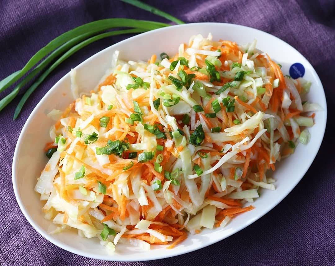 Kaali-Porkkanasalaatti