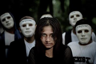 Peringati Hari Perempuan Sedunia 'Distorsi Akustik' Rilis Video Musik 'Peringatkan Arina'