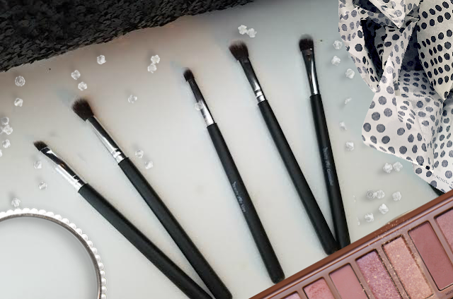 Makeup brushes for your eyes by barbies beauty bits