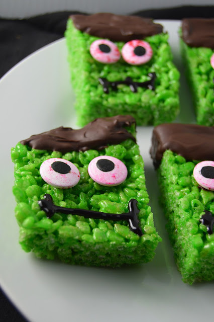 Frankenstein Rice Krispie Squares. A super fun Halloween recipe