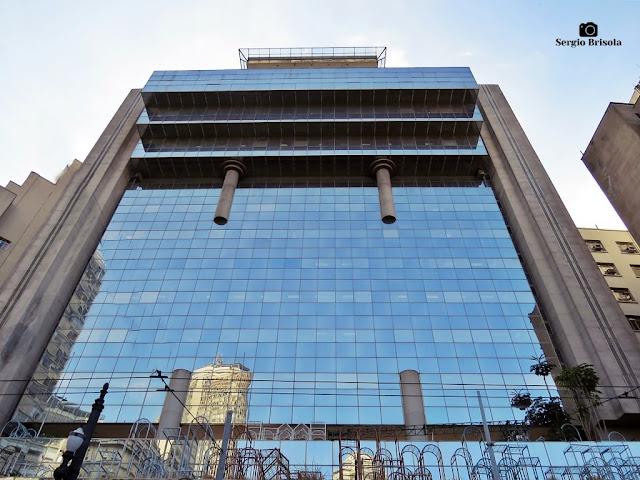 Perspectiva inferior da fachada do Edifício Banespa - República - São Paulo