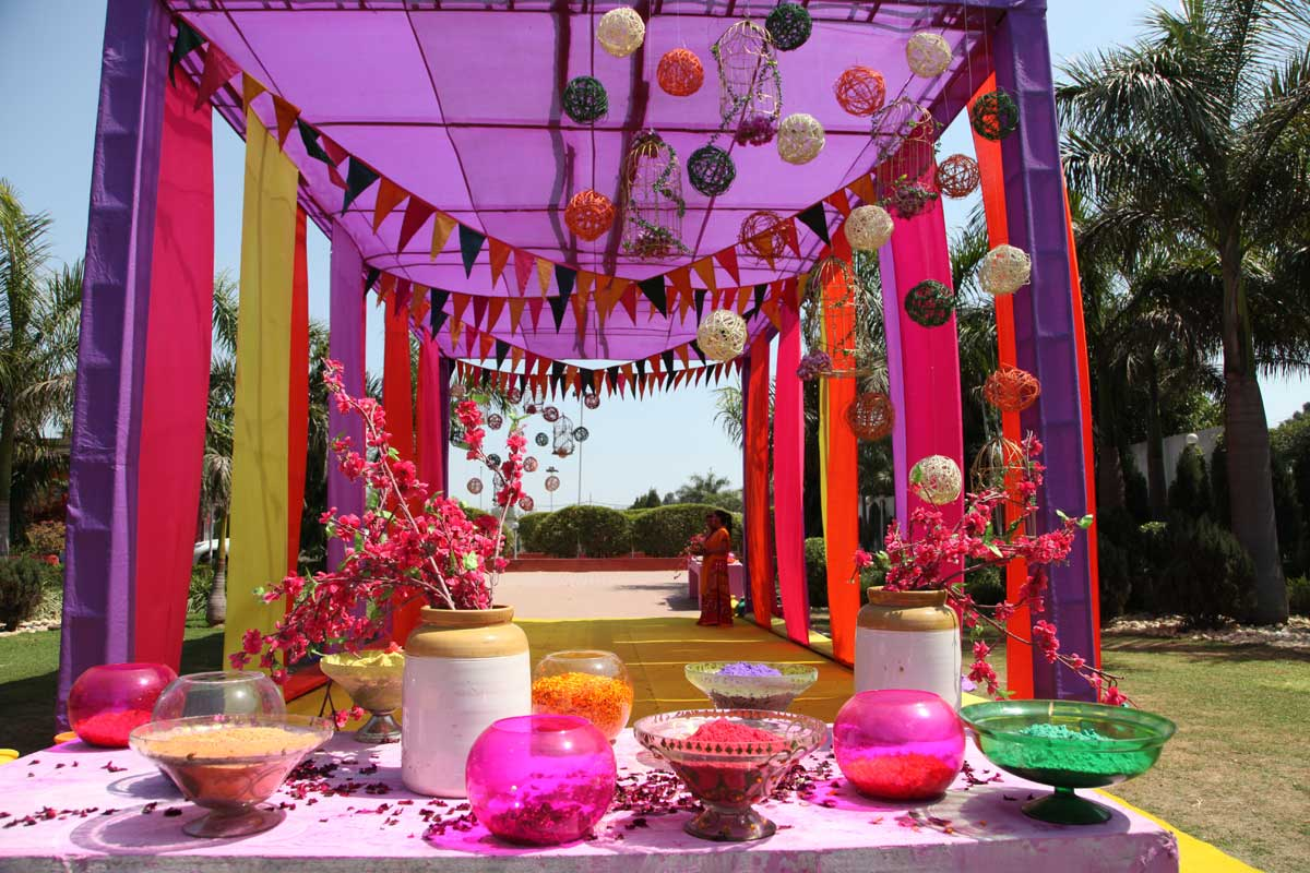 home decorating ideas for holi home smiley decorate home with colors on holi festival 12696