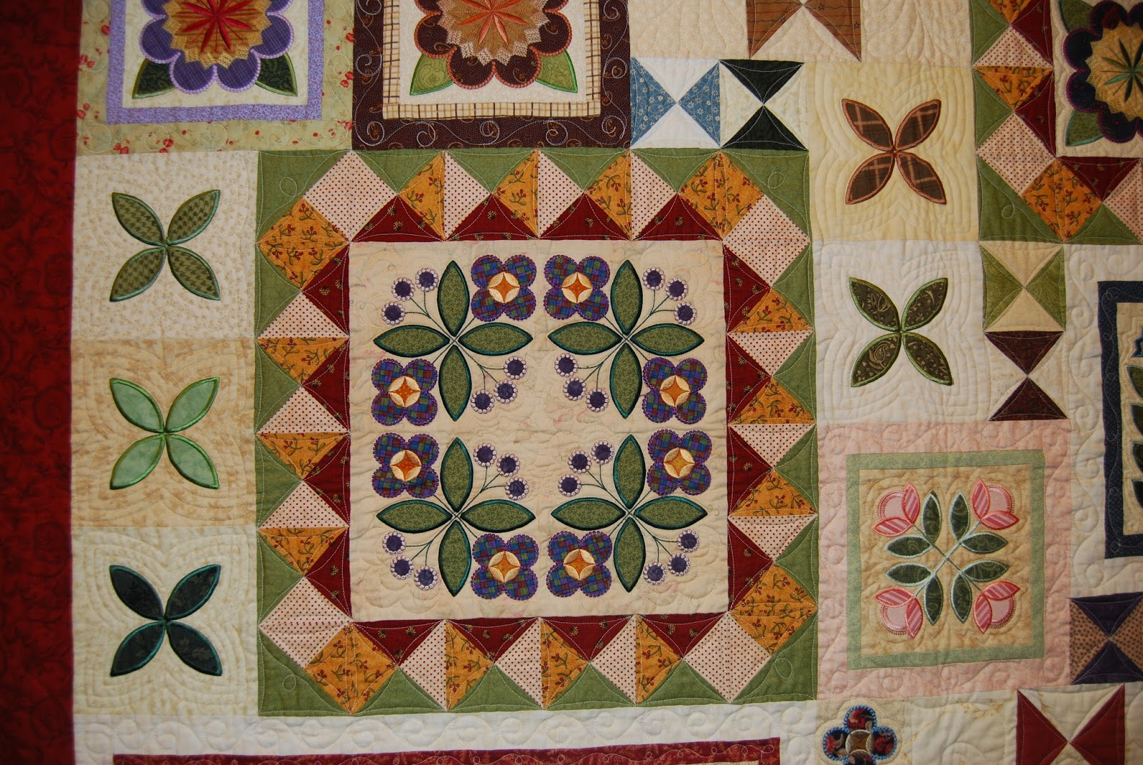 Outer Banks Community Quilt Show 2017 (Part 1)   Totally Crazy ... : hershey quilt show - Adamdwight.com