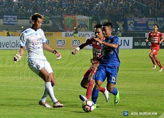 Persib Bandung vs Arema FC 0-0