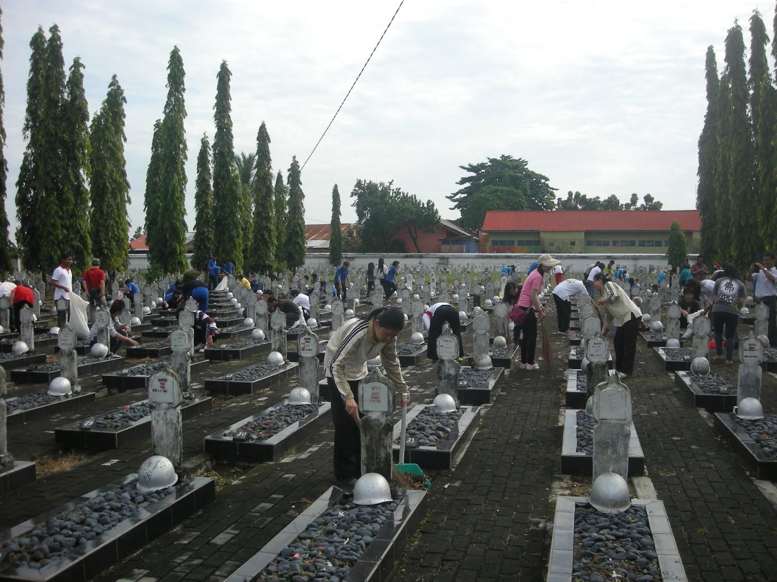 Image result for taman makam pahlawan ksatria ksetra siguntang palembang
