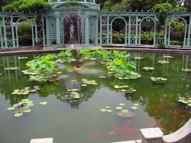 Pond-Inside-Walled-Garden-at-Old-Westbury-Gardens