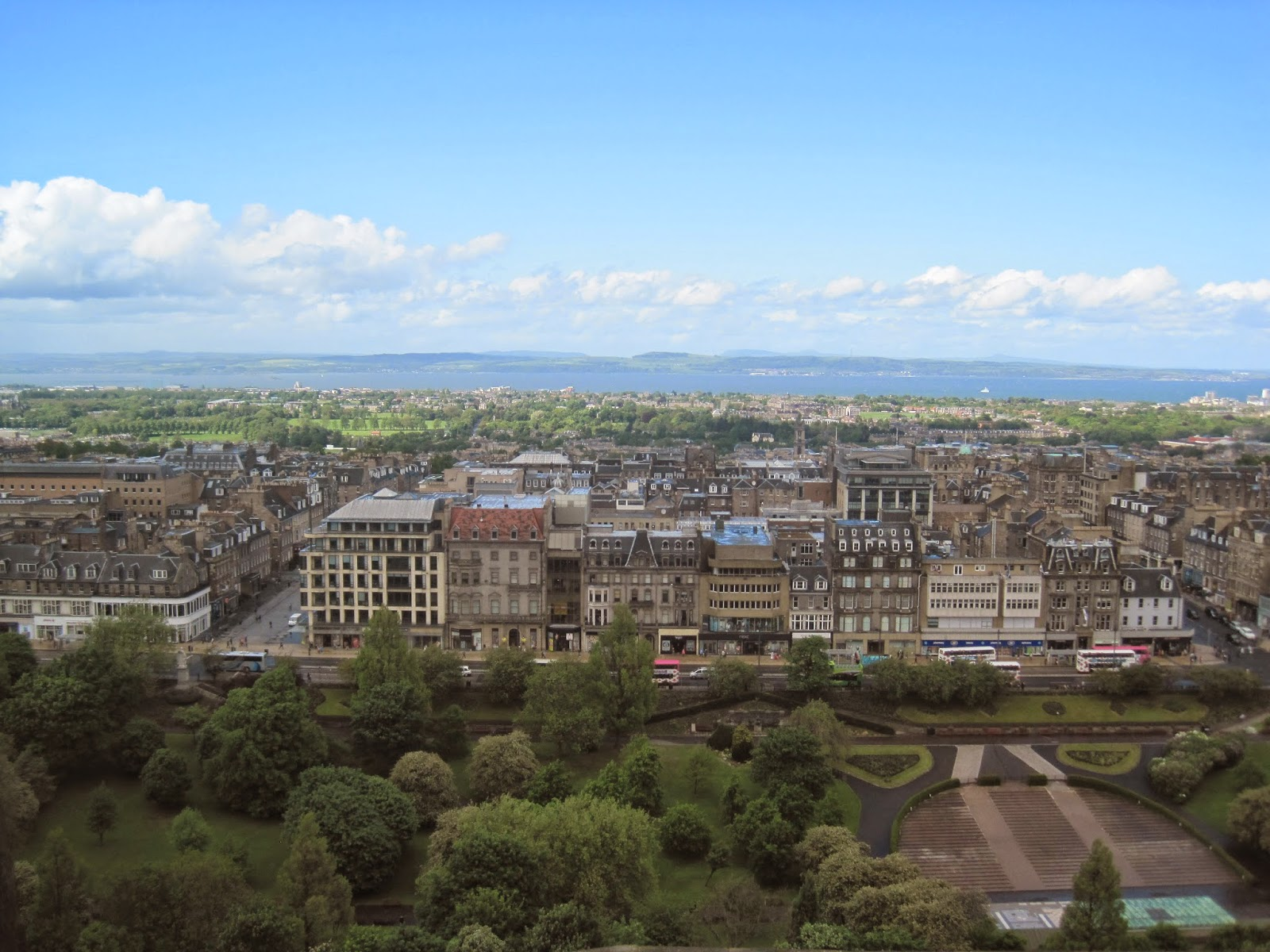 travel-edinburgh-scotland-what-to-see