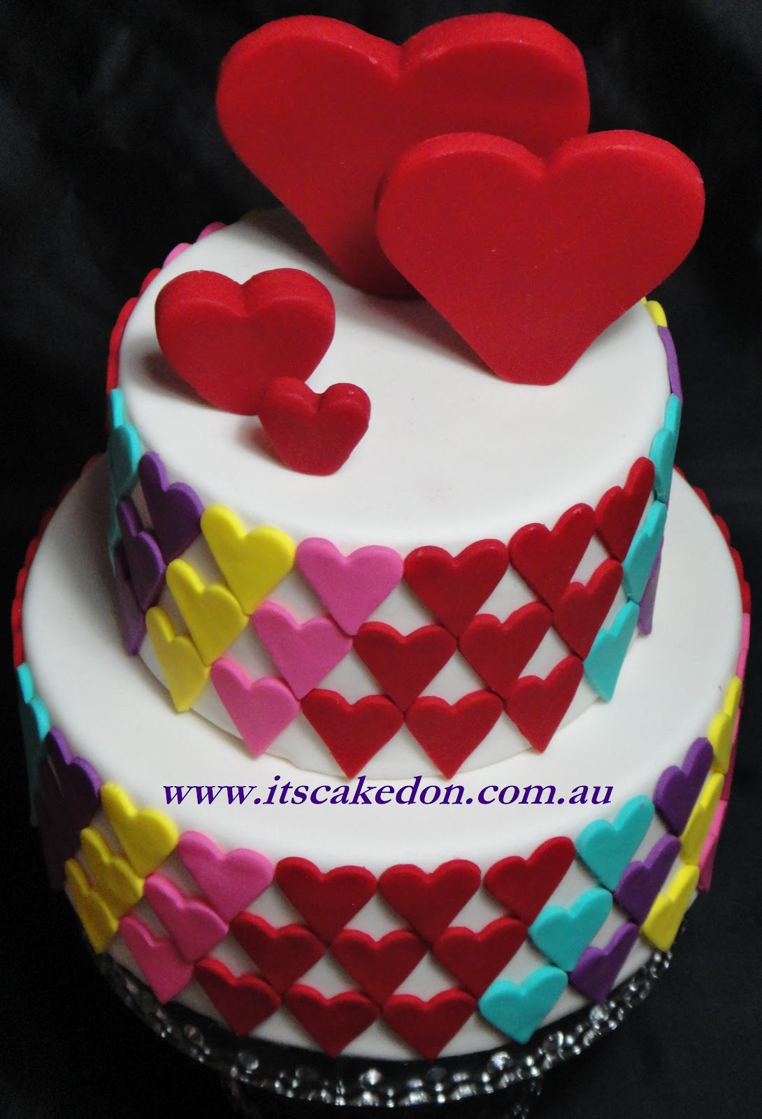 It's Caked On: Hearts Cake